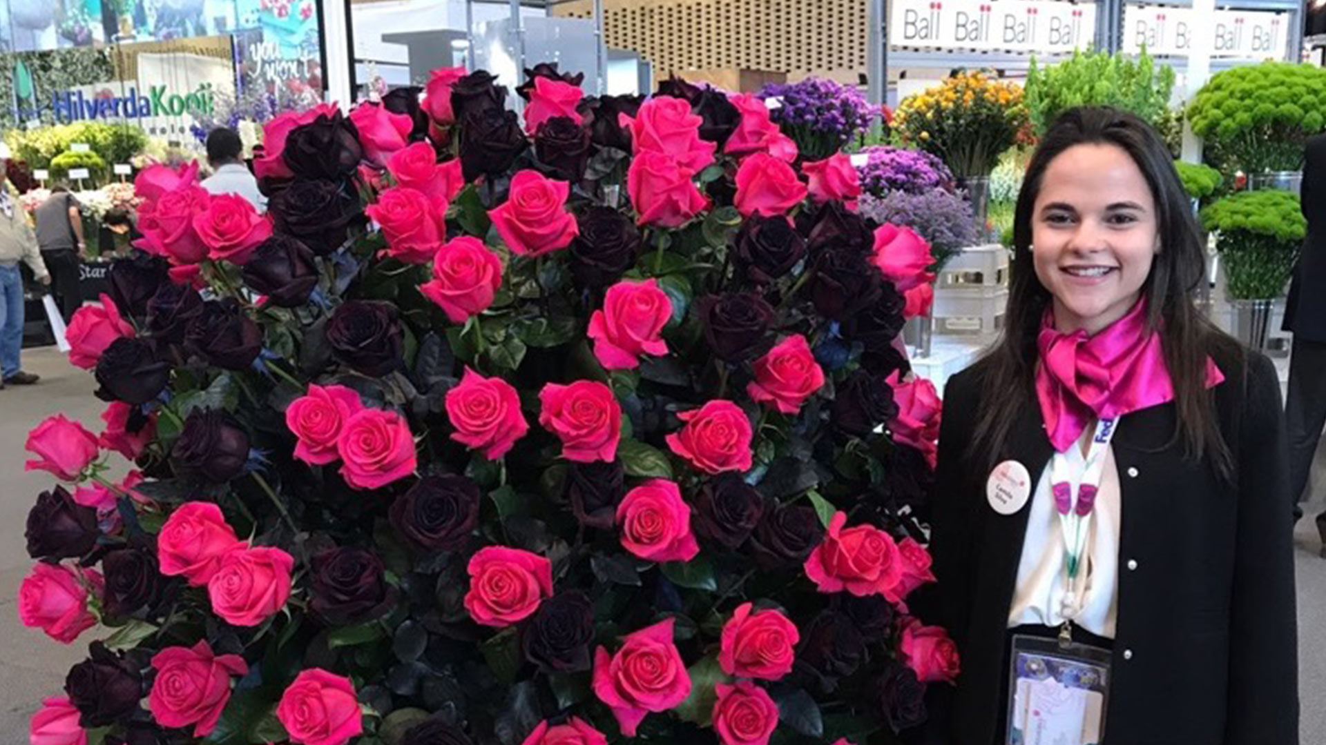 Connect clients from all over the world with the perfect roses they need